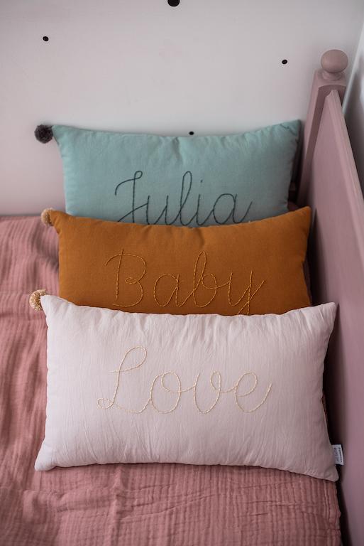 poduszka haftowana